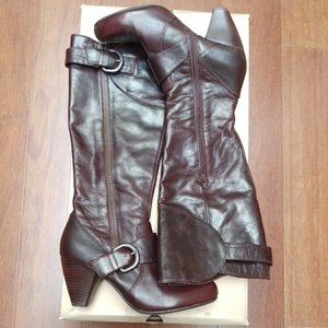 Born Delphini brown leather riding boots US9